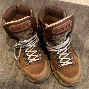 Gucci hiking boots sz41